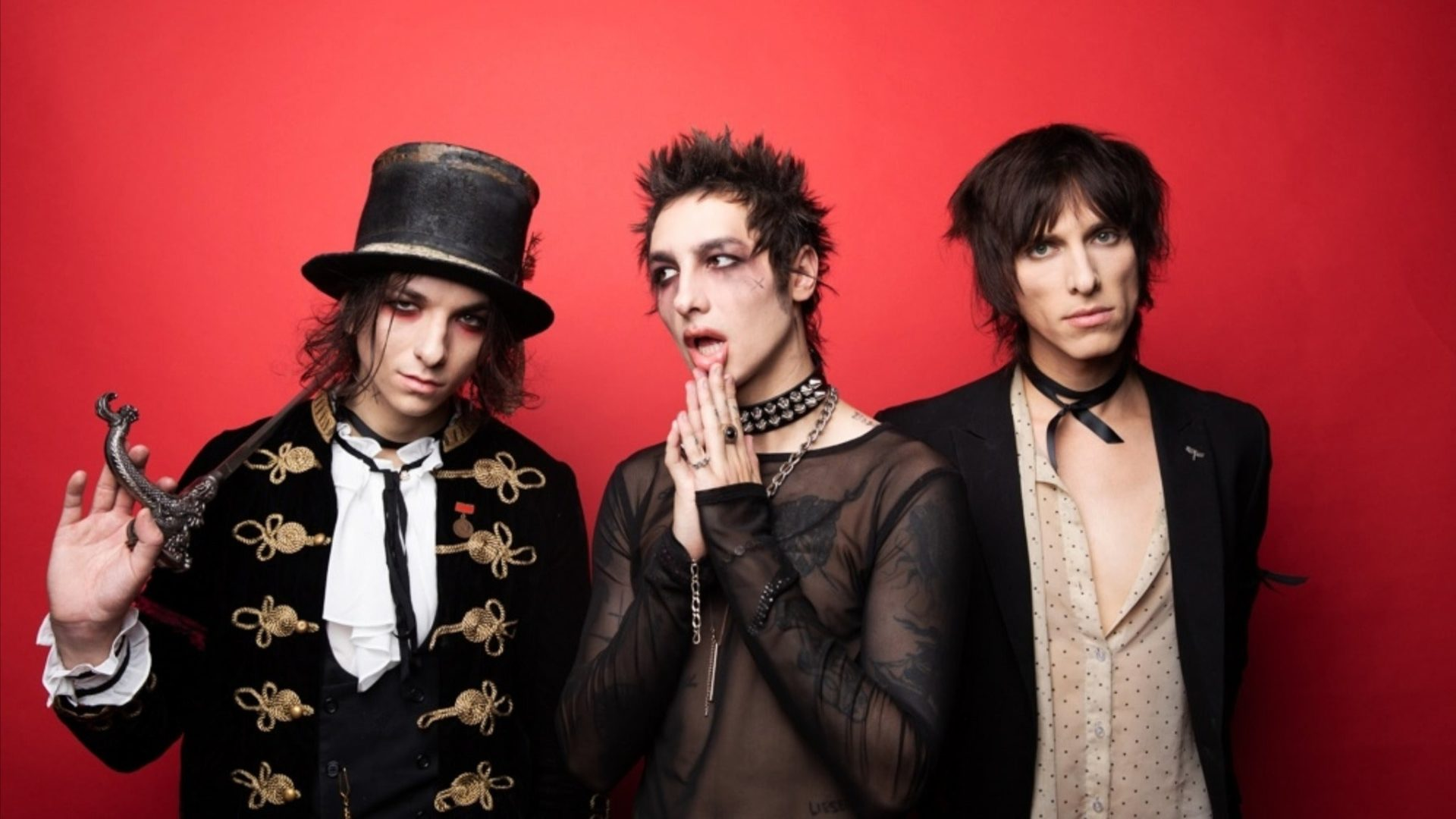 palaye-royale-the-bastards
